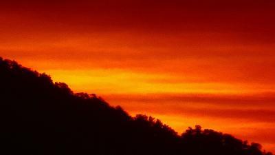 早朝散歩 宝塚市安倉上の池の日の出。