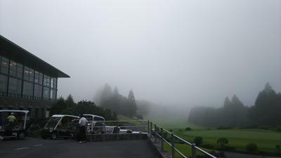 霧です!でもゴルフしました(^o^)v