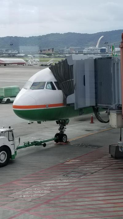 エバー航空 台北松山→ソウル金浦 エコノミークラス 搭乗記
