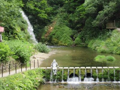 晴れおじさん「真夏の銀山温泉でストームトルーパー」に会う