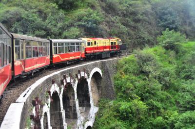 世界遺産 カルカ=シムラー鉄道 に乗ってきましたぁ。