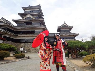 長野旅(12)国宝松本城。突然お城の前に現れたお姫様と武者がおもてなししてくれました