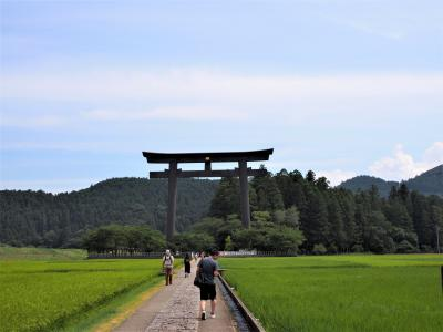 御創建2050年の熊野本宮大社、神職のご案内による御垣内正式参拝