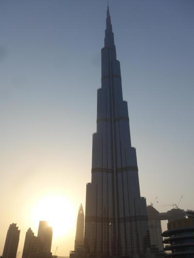 2018年7月のドバイ&アブダビは暑い!!そして何もかもが半端じゃない!! (*^-^*)のパート5~今回のドバイ旅行本命!!世界一高いビル・「ブルジュ・ハリファ」を間近で見れるドバイ・モールへ!!