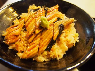 猛暑の中、姫路の好古園へ行き名物の穴子丼を食べてきた。