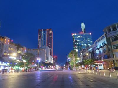 ベトナム ホーチミン2泊5日 プリンセス物語 2日目市内散策・フォーのランチ・テイエンハウ廟・美容院でシャンプー体験・民族舞踊鑑賞しながらデイナー