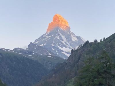 最高だった初スイス旅行2018☆欲張ってイタリア、そしてパリの革命記念日へも行って来ました ④ ツェルマットで朝焼けのマッターホルン、逆さマッターホルン見て来ました