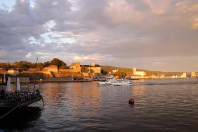 ☆☆ 白夜(midnight sun)とフィヨルド と 美しい街並みに憧れて♪ ① ☆☆ ~~オスロ(Oslo)到着 編 ~~
