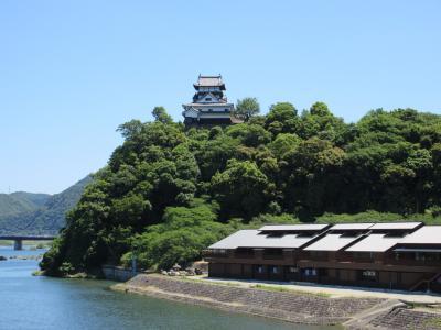 2017年お伊勢さんと百名城巡りの旅 6-1 河岸からそびえ立つ犬山城へ