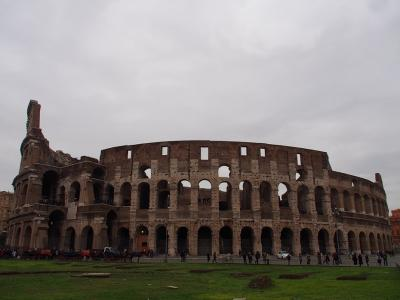 海外年越し第3弾!永遠の都ローマへ【3日目前編:ローマの名所をひたすら歩いて巡る!コロッセオ&フォロ・ロマーノ&ヴェネツィア広場&カンピドーリオ広場】