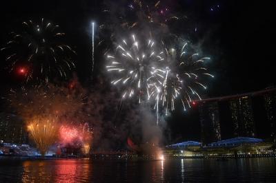 シンガポールの独立記念日 ナショナルデー リハーサルの花火!