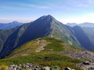 天空の稜線を歩く! 1泊2日北岳&間ノ岳縦走