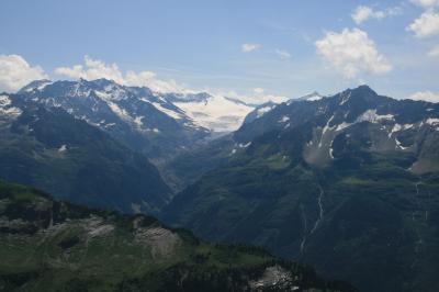 往復2時間の高原ハイキング、プランプラッテン(2233m)~バルメレックホルン(2255m)を歩く
