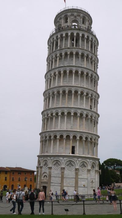 添乗員さんと足腰鍛えるイタリア旅 4日目 ピサの斜塔編