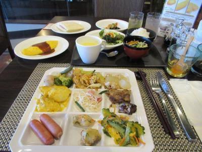 真夏の石垣島(15)ゆったりと頂くエグゼス石垣島の朝食ブッフェ。島料理、黒糖フレンチトースト、ホットサンド・・・