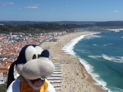 グーちゃん、ポルトガルへ行く!(ナザレの絶景を上から見てみよう!編)