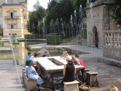 3世代でサウンドオブミュージックゆかりの地ザルツカンマーグート&ウィーン(8)夏の離宮ヘルブルン宮殿で水の仕掛けに大はしゃぎ