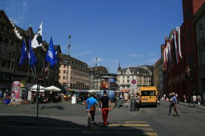 ドイツ・フランスと国境を接する町、バーゼルで過ごす