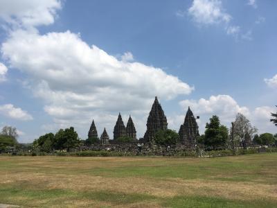 避暑地インドネシアへ~8月1日(水)、世界遺産ブランバナン遺跡群へ30円のバスで行くの巻。~