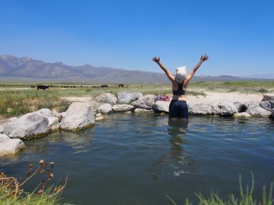 【 ただ今アメリカを無期限でロードトリップ中!②】Wild Willy's Hot Spring → Mono Lake → June Lakeの宿へ