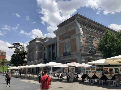 [バルセロナ・トレド・マドリッド・パリ個人旅行]⑮ マドリッドからパリへ移動し、パリのラスパイユ朝市とデパートショッピング