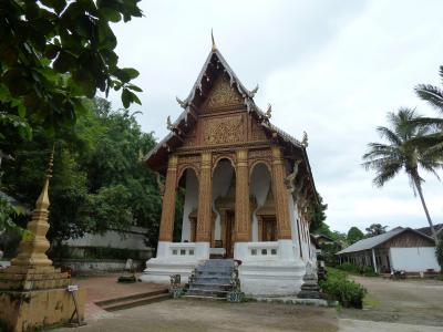 翌日のツアーを予約して、市内の寺院見学に行く(その1)
