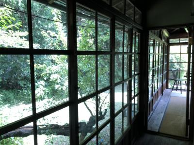 喜多屋 古民家ゲストハウス内のぼたんカフェへ