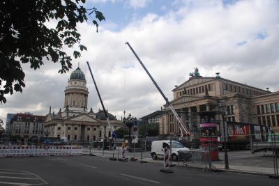 ドイツのベルリンへ。 その3 フンボルト大学、ベルリン国立歌劇場、聖ヘドヴィッヒ聖堂、ジェンダルメンマルクトと巡りました!