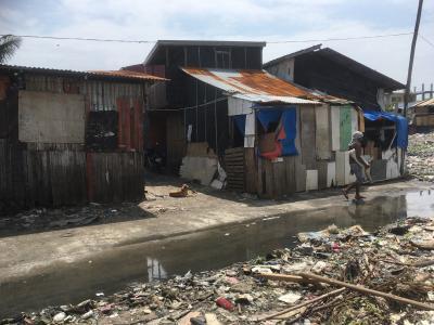 初めてのフィリピン後半、キアポ・スラム地域散歩