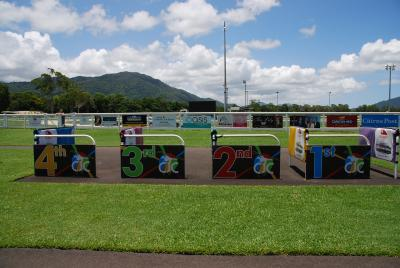 オーストラリア競馬 ケアンズ キャノンパーク競馬場