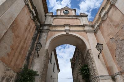 美しき南イタリア旅行♪ Vol.124(第5日)☆Gerace:イタリア美しき村「ジェラーチェ」旧市街をさまよい歩く♪爆笑のバイクイベント♪