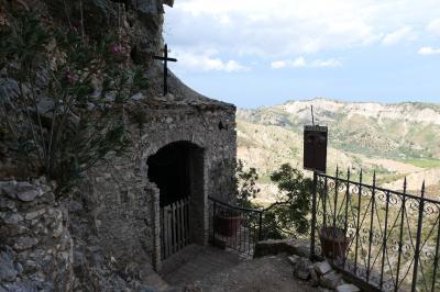 美しき南イタリア旅行♪ Vol.132(第5日)☆Stilo:イタリア美しき村「スティーロ」の洞窟教会からのパノラマ♪
