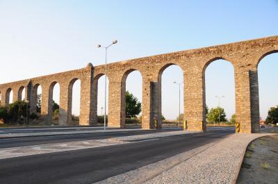 夏旅は初ポルトガル15★エヴォラ★水道橋と城壁を見に夕暮れの町歩き ~水道橋・ジラルド広場・Cafeteria35・Cafe Arcada~