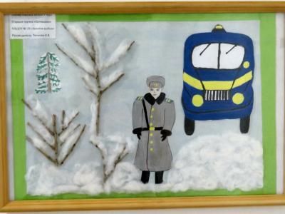 2018年シベリア・サハ共和国ヤクーツクへの旅(17)国立美術館は撮影禁止&代わりに写真が撮れた子供たちによる警官の絵