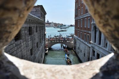 らくちん船旅 アドリア海・エーゲ海の旅 ~ため息の橋から見たヴェネツィア~
