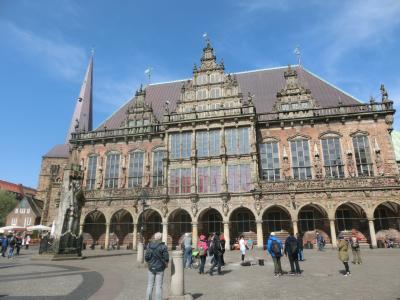 2018GW ドイツ20:世界遺産ブレーメン 市庁舎とローラント像とベットヒャー通り