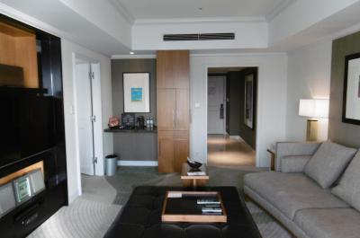 ヒルトン東京お台場:ここは東京都心にありながら最高のリゾートホテル、しかも、ホテル最上階(15階)のスイートルームに無料アップ、やはりヒルトン・ダイヤは凄かった!