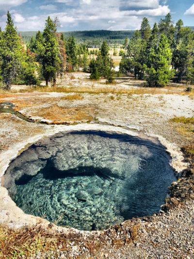 """世界最古の国立公園/大地のエネルギーが湧き出る""""パワースポット"""""""