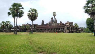 お盆にカンボジア一人旅 雨季のシェムリアップ・プレアビヒア・シアヌークビル①
