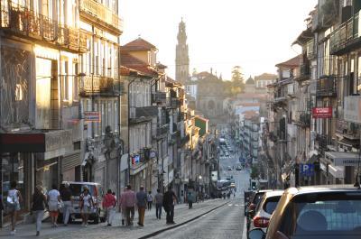 夏旅は初ポルトガル18★ポルト★列車でリスボンからポルトへ ポルトの夕暮れ町歩き ~ポルト カンパーニャ駅・グランデ ホテル・ポルト大聖堂~