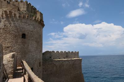美しき南イタリア旅行♪ Vol.165(第6日)☆Le Castella:「レ・カステッラ城」主塔周囲の展望テラス♪