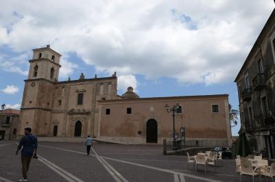 美しき南イタリア旅行♪ Vol.170(第6日)☆Santa Severina:美しき村「サンタ・セヴェリーナ」美しい広場と大聖堂♪