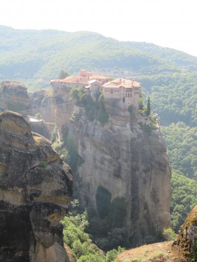 ギリシャ カランバカからメテオラの修道院へ現地ツアーを利用