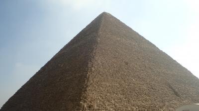 一生に一度はピラミッドを見ようと思ってました!ピラミッドとうじゃうじゃある遺跡巡りをしました!