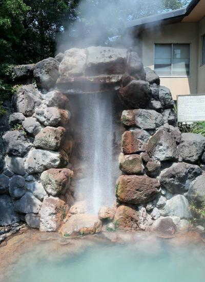 別府12 龍巻地獄 噴出間隔が短い間欠泉 ☆噴出口は石に覆われ