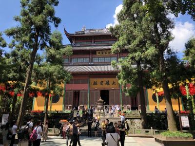 中国杭州の霊隠寺を訪れて仏教のルーツに思いを馳せる
