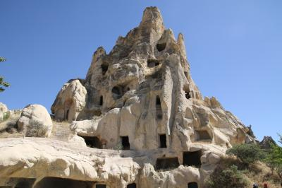 トルコ石専門店とギョレメ野外博物館訪問