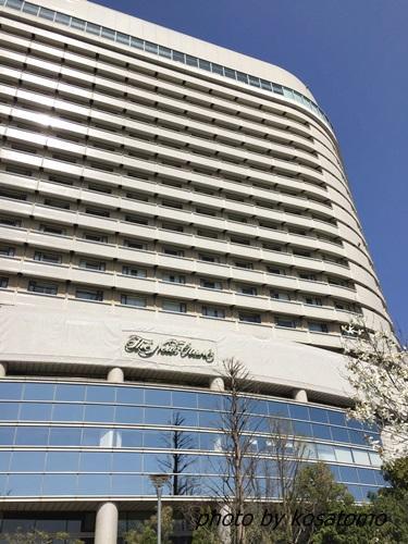 ホテルニューオータニ大阪に宿泊。朝食はルームサービスで!