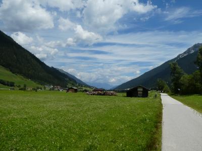 2018 初チロル 散策とちょこっとハイキング  7  Top of Tyrol ,Neustift ,Nederへの散歩道 7/9(2)