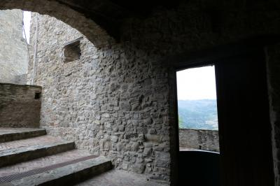 美しき南イタリア旅行♪ Vol.202(第7日)☆Oriolo:美しき村の「オリオーロ城」400年前の中世時代の雰囲気♪